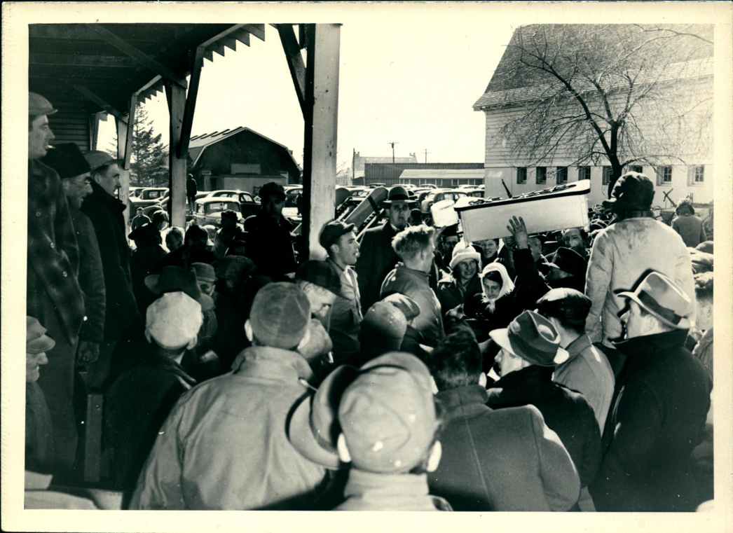 This was a scene at a country auction sale held at the 1947 Country Life Program.