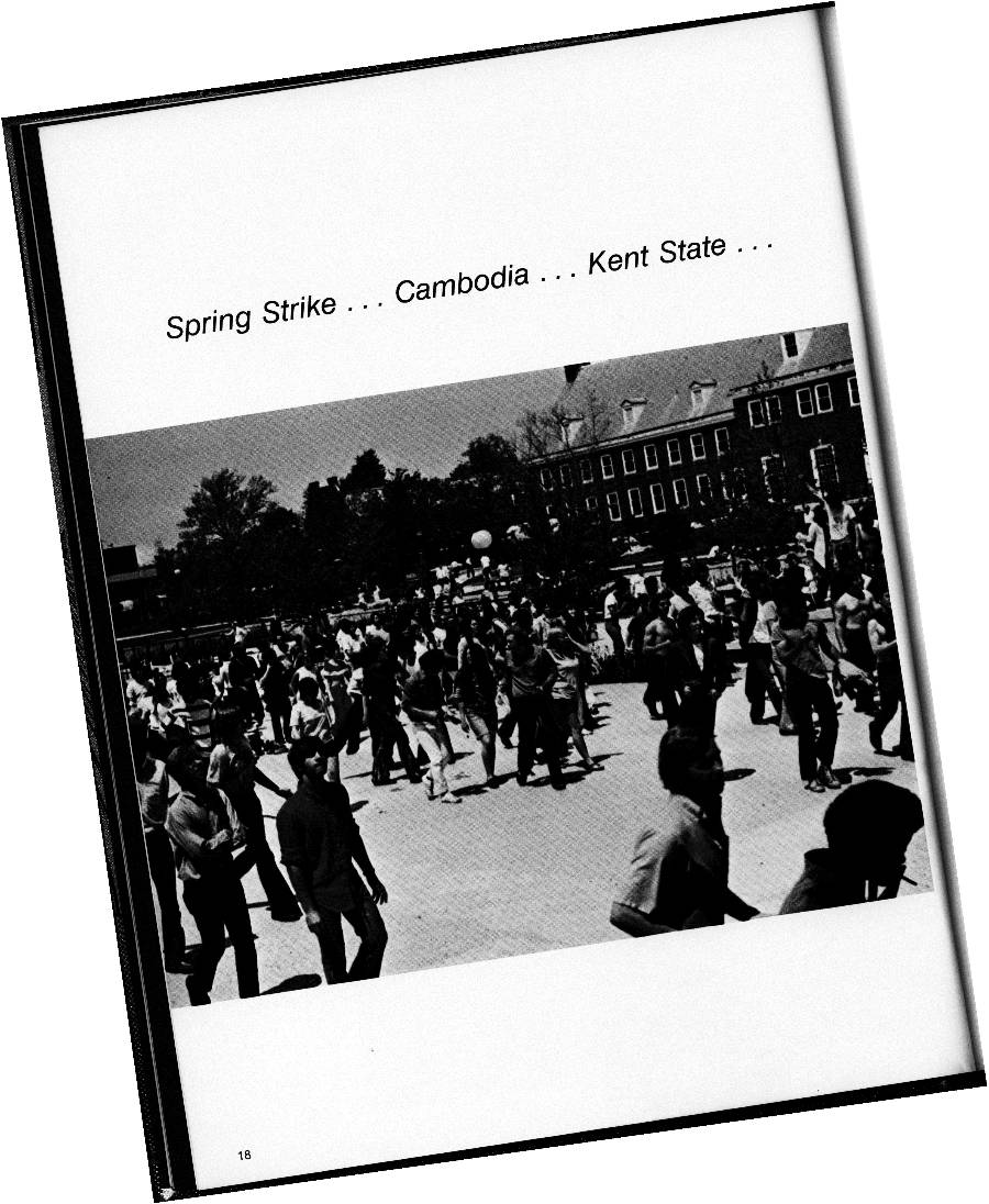 Photo from the 1971 Islander yearbook,p. 18, showing students protesting on campus
