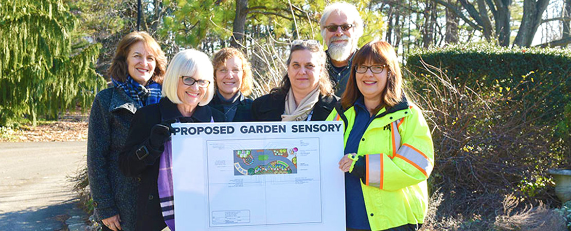 Group picture of Commissioner of Parks and Recreation Jill Weber, Town Supervisor Judi Bosworth, FSC students Michelle Callahan and Dona Damaltis, Professor Michael Veracka, and Town Horticulturist Bonnie Klein